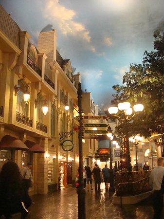Paris Las Vegas Hotel & Casino Review, Undervalued Strip Hotel   Paris Hotel Las Vegas Inside