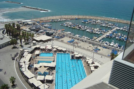 Carlton Tel Aviv: View from rooftop pool