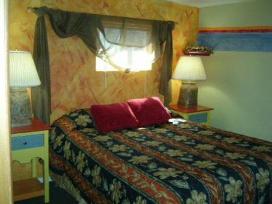 Planet Anchorage Bed & Breakfast: Jungle Joes Bungalow