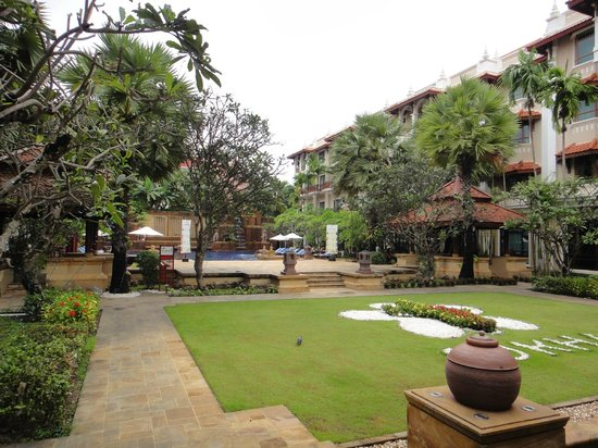 Sokha Angkor Resort: 中庭