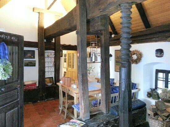 Zur Hube: wine press house