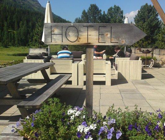 Hotel Restorant Lej da Staz: Hoteleingang