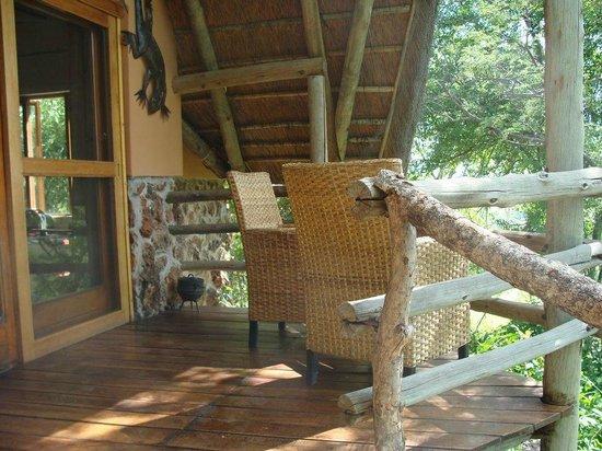 Muchenje Safari Lodge: Balcony for our cabin