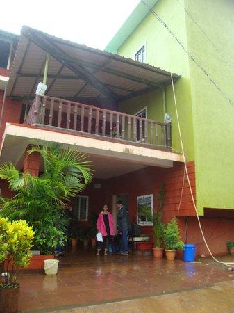 Sagar Villa: Entrance