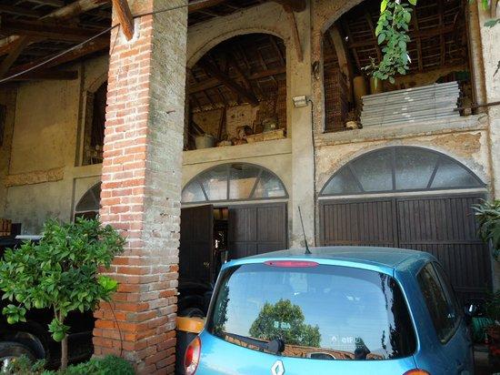 Inner farmyard - Locanda Del Carrobbio, Sep 13-15 2012