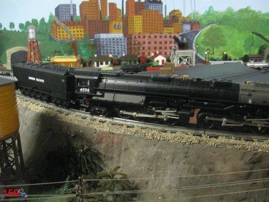 """Trainland U.S.A.: Scale model """"Big Boy"""""""