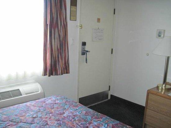 Travelodge San Luis Obispo: room