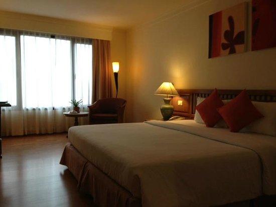 Silom Serene : リゾート館ある客室(広い!)
