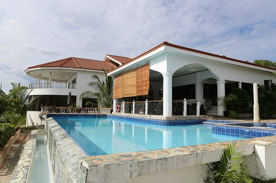 Eden Resort : The clubhouse