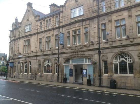 Toll House Inn: entrance