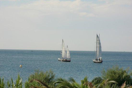 Hotel Azur : Vue du balcon, sur la mer