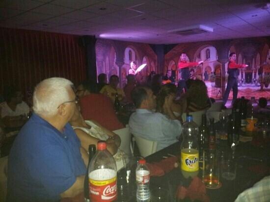 Tablao Flamenco El Embrujo: Sabado 27 de julio lleno total