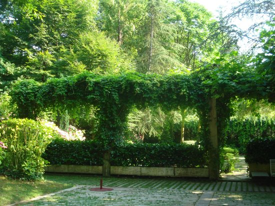 Hotel Etxeberri : jardines