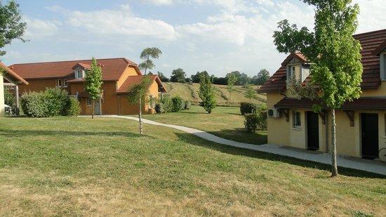 Belambra Clubs - Les Portes de Dordogne: vue dans l'enceinte du club Bélambra