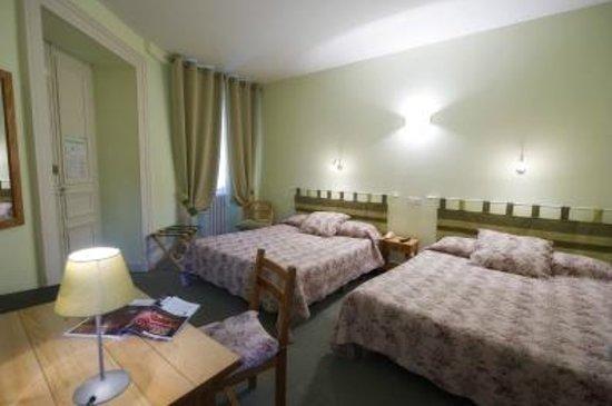 Hôtel Adour : chambre quadruple