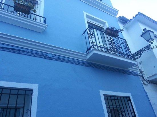 Malaga Lodge: Våran balkong till höger