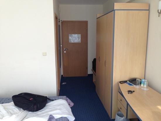 Holiday Park Hotel : room