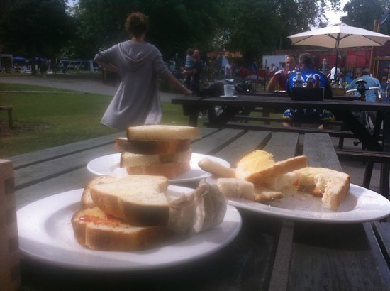 Cafe in the Park: doorstep anyone?