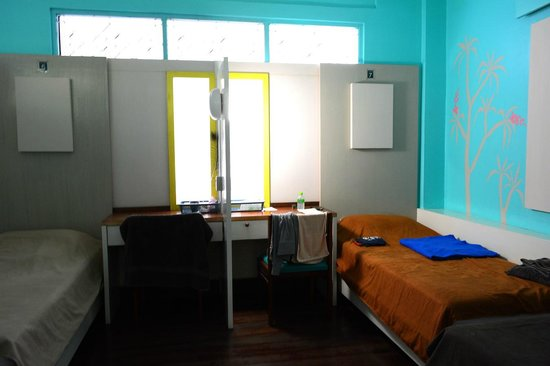 60 Blue House: drom room, comfortable