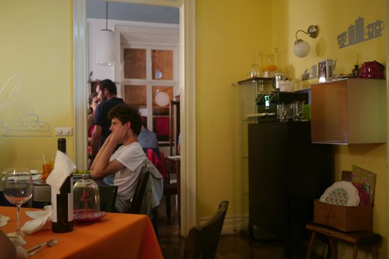 Rotas da Ilha Verde: The homely restaurant