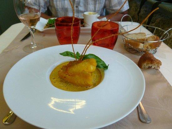 Restaurant La Treille Muscate : Plat: Rascasse cuite facon bouillabaisse, risotto