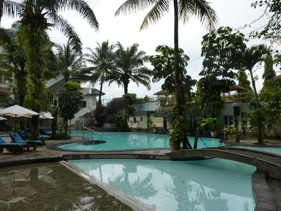 The Jayakarta Suites Bandung, Boutique Suites, Hotel & Spa : piscine