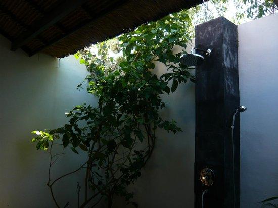 Minabali Bunga'lo : la douche à ciel ouvert