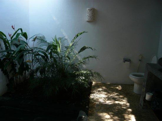 Minabali Bunga'lo : Notre salle de bain