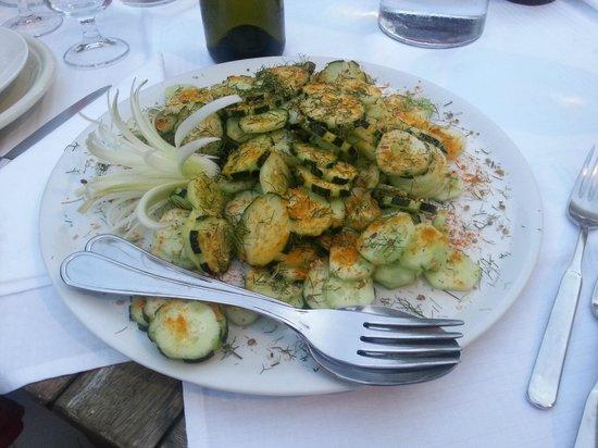 Agriturismo Dongili: insalata di cetrioli, deliziosa