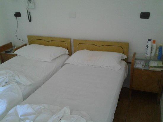 Hotel Villa Linda: Camere con mobili dell'anteguerra