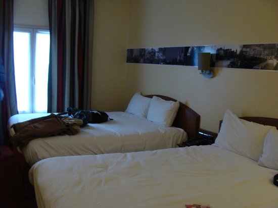 Hotel l'Elysee Val d'Europe: Room