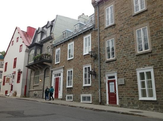 Hi-Quebec, Auberge Internationale de Quebec : calles en Vieux Québec