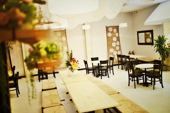 Bizu Cafe-The House of Saigon Store