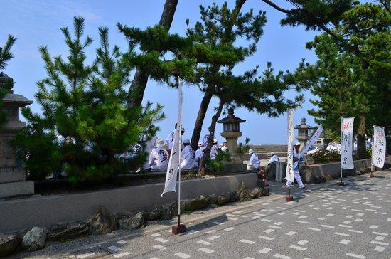 Meotoiwa Front Approach : 表参道