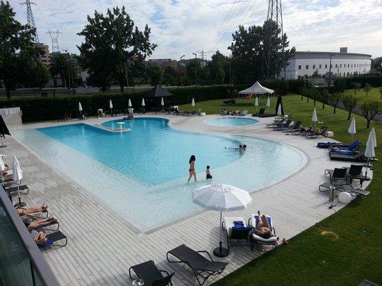 piscina picture of melia braga hotel spa braga tripadvisor. Black Bedroom Furniture Sets. Home Design Ideas