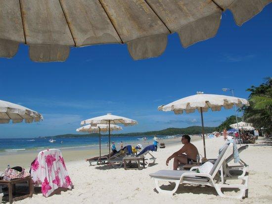 ทรายแก้ว บีช รีสอร์ท: Beach
