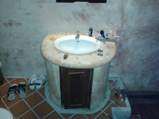 """Chunut House : """"the bathroom clean"""" ja"""