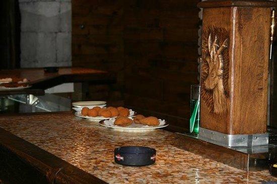 Casa Morlans: tapas bar la mina