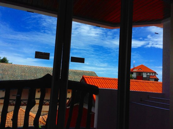 Ao-Nang Sunset Hotel: sunny day