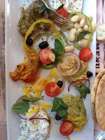La Serrurerie: assiette mediteraneenne très bonne