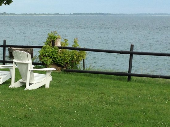 Lakeside Village Inn: vue sur le lac Erie