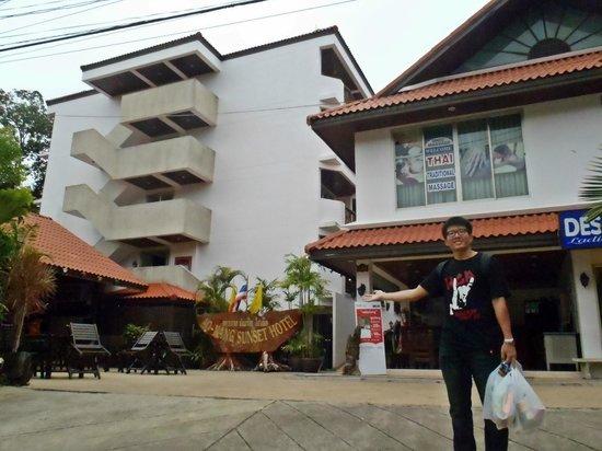 Ao-Nang Sunset Hotel: raining day