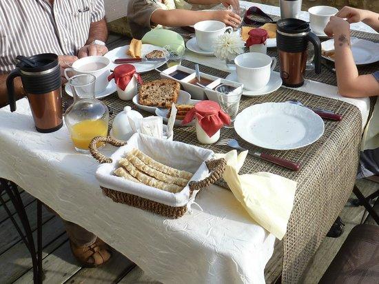 Domaine du Héron : un bien agréable petit déjeuner maison