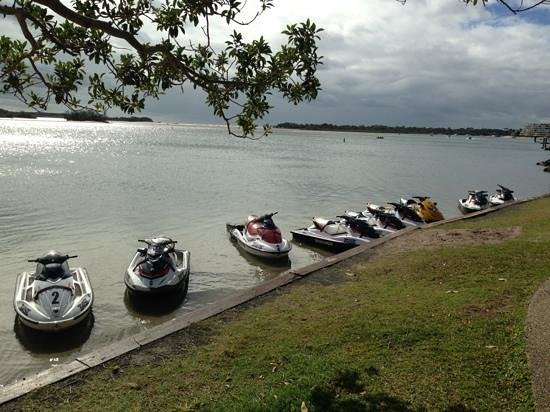 T Boat Hire: Awesome jet ski ocean tours at t boats