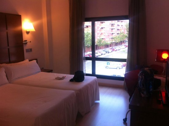 TRYP Zaragoza: room and view from room