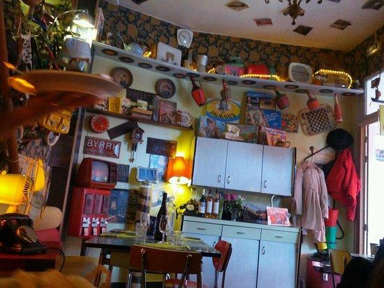 salle principale photo de 8 bis restaurant bar dinard tripadvisor. Black Bedroom Furniture Sets. Home Design Ideas