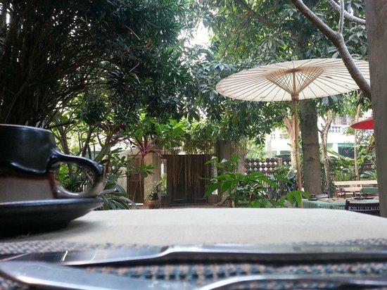 Baan Hanibah: Breakfast in the garden
