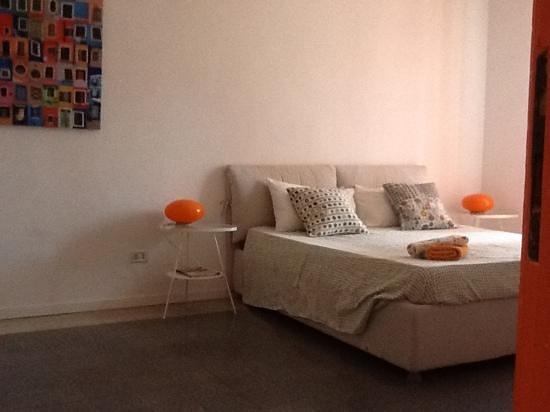 Tutto Tondo Bed & Breakfast: camera arancio
