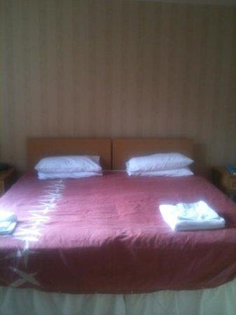 Victoria Hotel: room 1