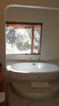 Maliba Mountain Lodge: Bathroom
